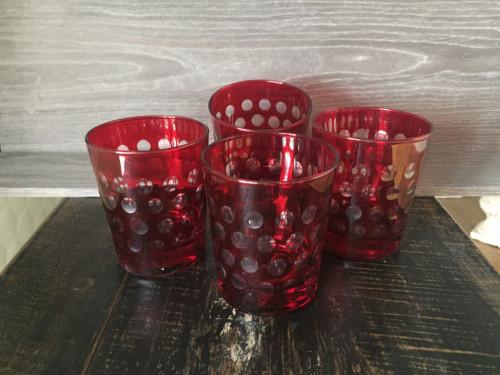 Ensemble de 4 verres à whisky rouges