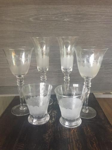 Service de verres en verre taillé