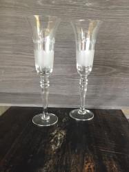 Ensemble de 12 flûtes à champagne gravées