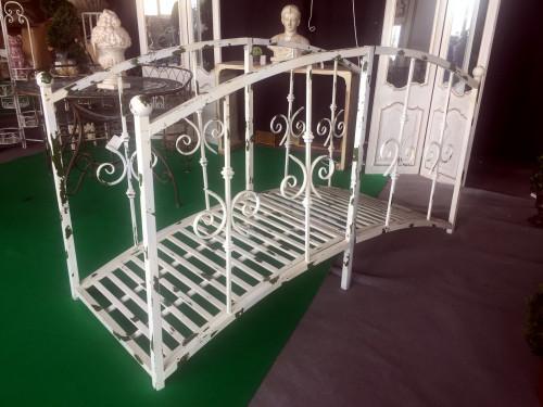 pont passerelle en fer forg demeure et jardin. Black Bedroom Furniture Sets. Home Design Ideas