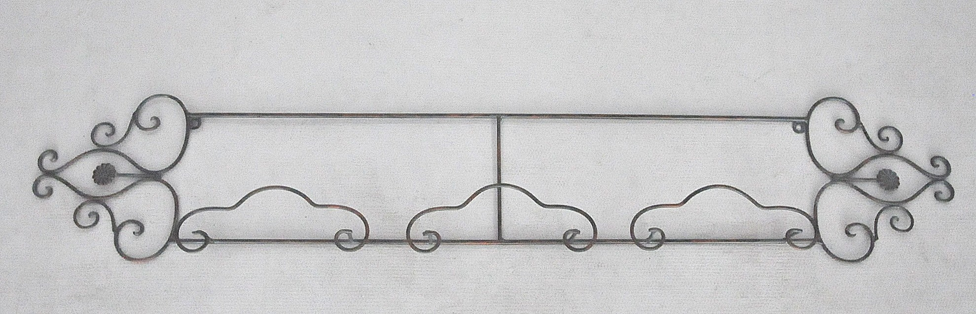 Porte assiettes en fer forg grand mod le demeure et jardin for Porte de jardin en fer forge