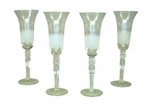 Ensemble de 4 flûtes à champagne gravées
