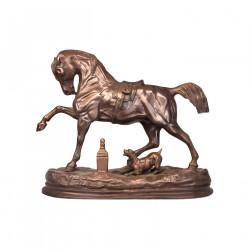 Cheval et chien en bronze