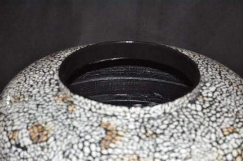 Grand Vase  laque marron et coquille d'oeuf