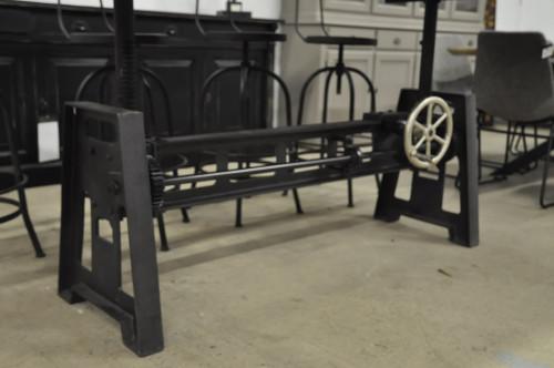 Table industrielle à manivelle avec Pied en fonte et Plateau en vieux Bois- 220x100 cm