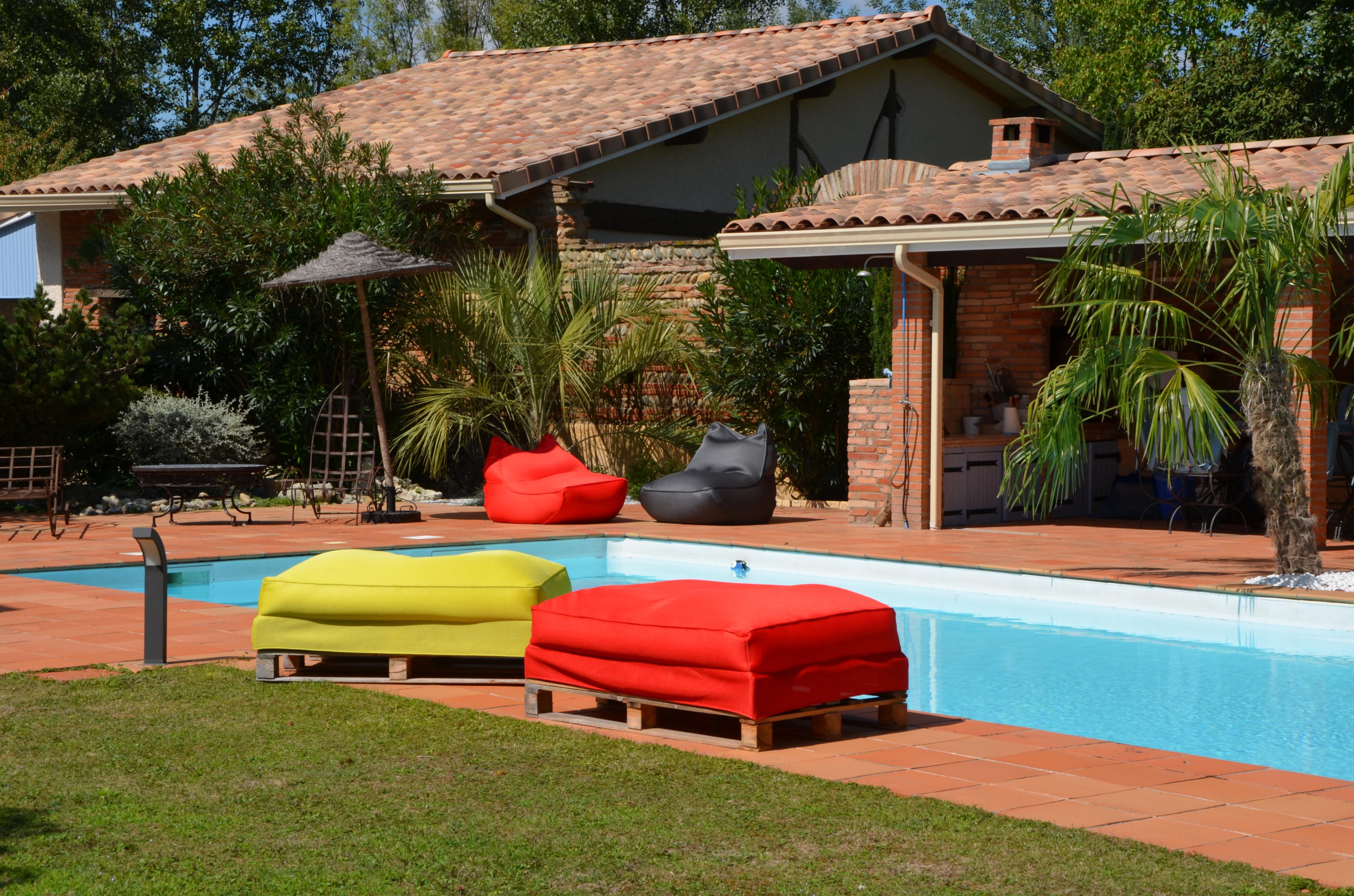 sofa palette bleu d 39 ext rieur shelto demeure et jardin. Black Bedroom Furniture Sets. Home Design Ideas