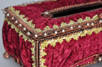 Boîte à mouchoirs baroque grenat