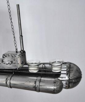 Sous-marin en métal gris acier