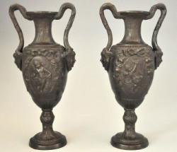 Paire d'urnes style antique