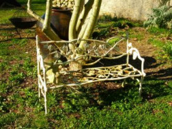 Banc raisin blanc antique