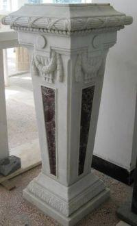 Paire de colonnes en marbre inserts verts