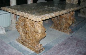Table travertin sphinge