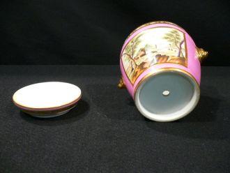 Cache pot porcelaine rose à mufles de lion