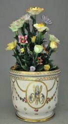 Vase Marie-Antoinette avec fleurs