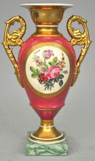 Vase médicis en porcelaine rose et dore