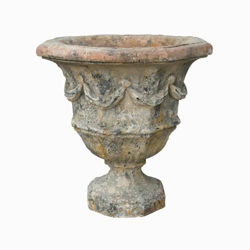 Vase octogonal decors de guirlande en pierre reconstituée - Hauteur 58 cm