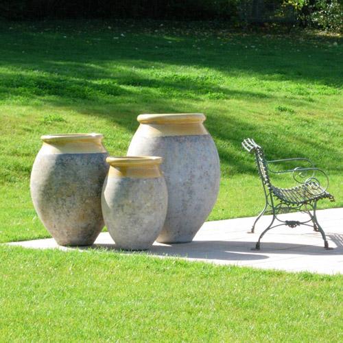 Jarre de forme olive patine classique - Hauteur 70 cm
