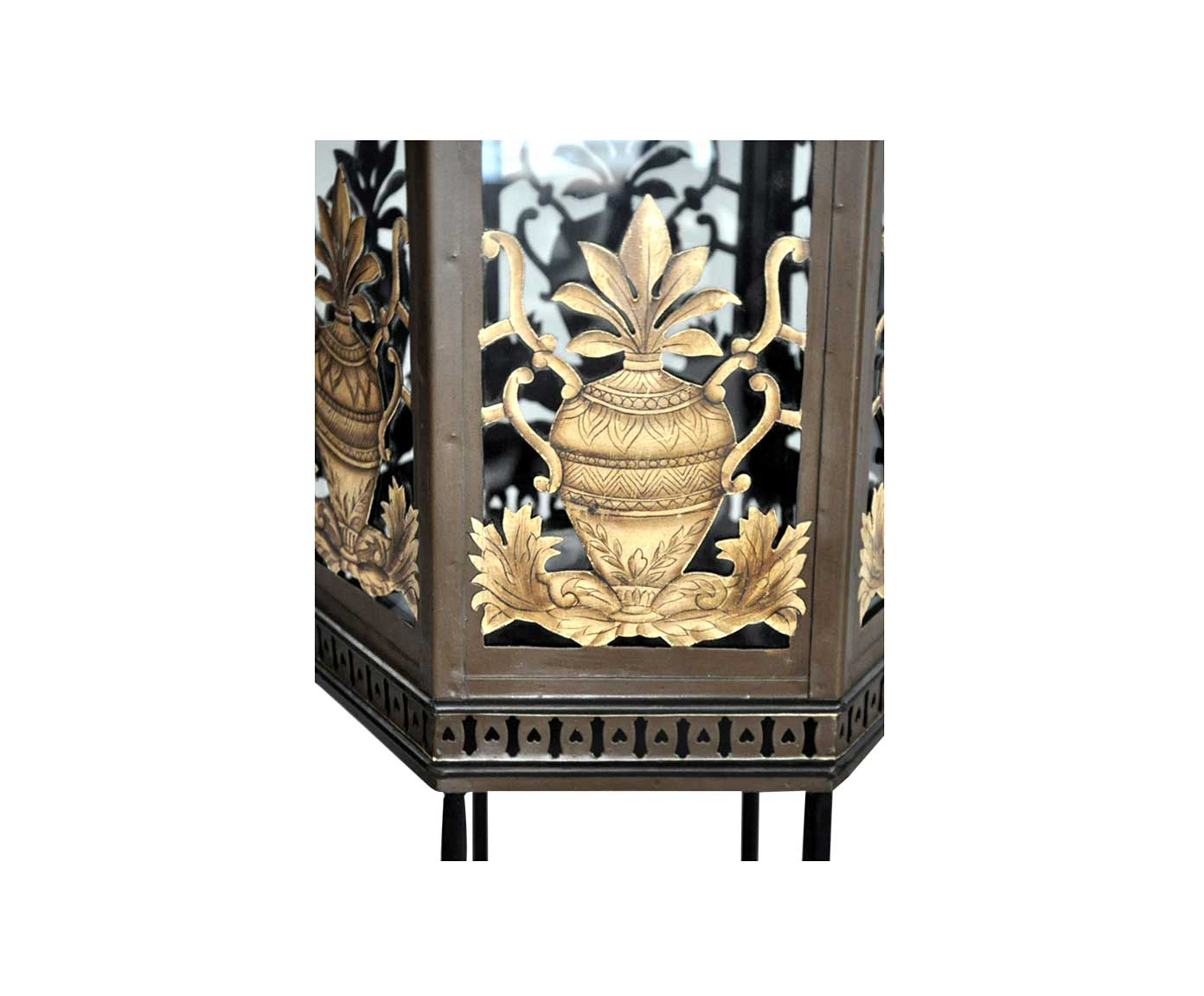 Lanterne t le peinte sur pied forme pagode demeure et jardin for Lanterne exterieur sur pied