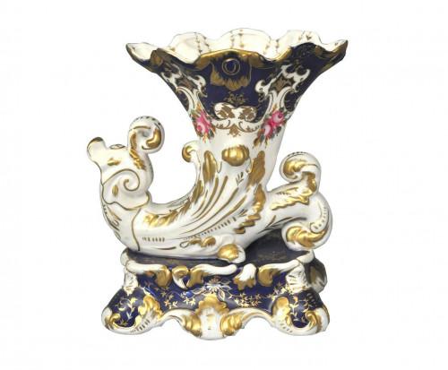 Vase cornet bleu style