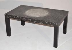 Table Basse design laque noire et coquille d'oeuf