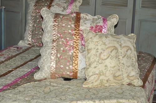 Housse de coussin imprim fleurs avec ruban demeure et jardin - Housses de coussins ...