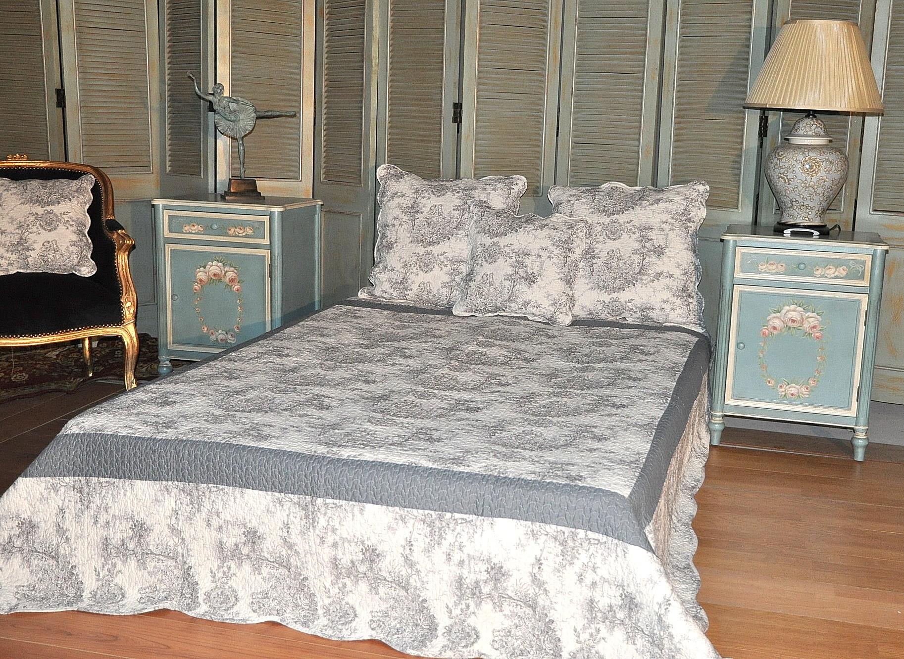 boutis toile de jouy lit double demeure et jardin. Black Bedroom Furniture Sets. Home Design Ideas